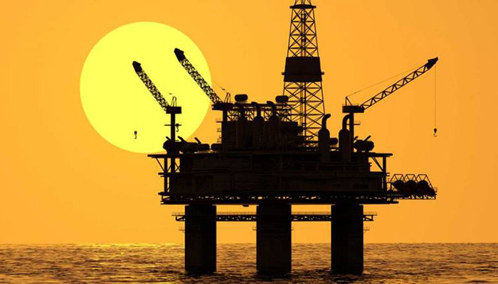 Oil falls with weaker equities, stronger dollar