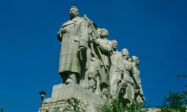 Stalin rubble throws into focus Czechs' 20th-century struggles