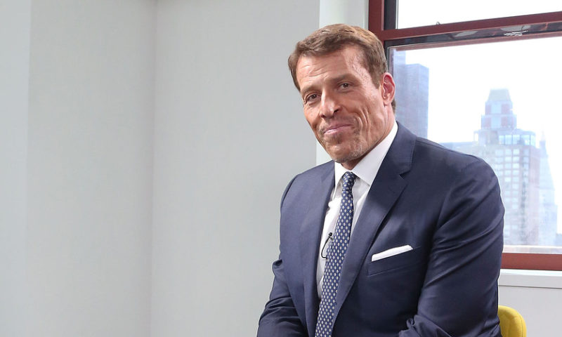 7 reasons why you shouldn't fear a market crash, according to Tony Robbins