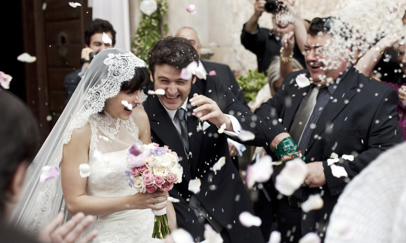The smart way to use credit cards for wedding expenses