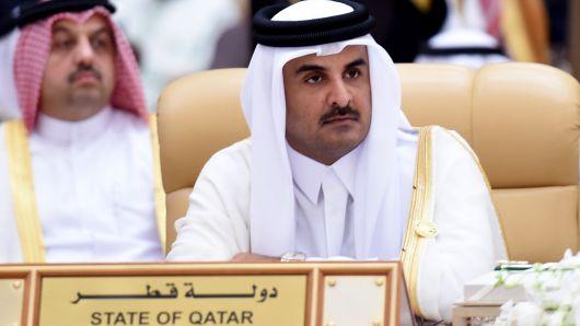 Qatar's emir says to invest 10 billion euros in Germany