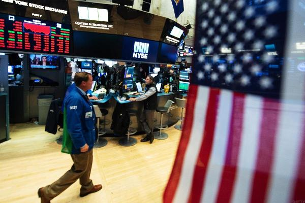Stocks Gain Despite Trade Woes;Dollar Paces Currencies as Emerging Markets Slide