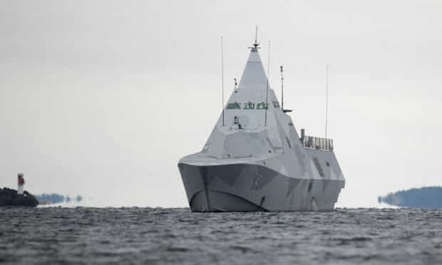 Swedish military tight-lipped over 'submarine' spotted near capital