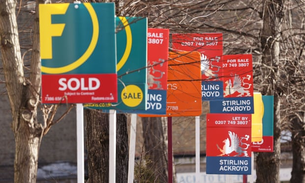 UK house prices fall sharply in September amid Brexit wariness