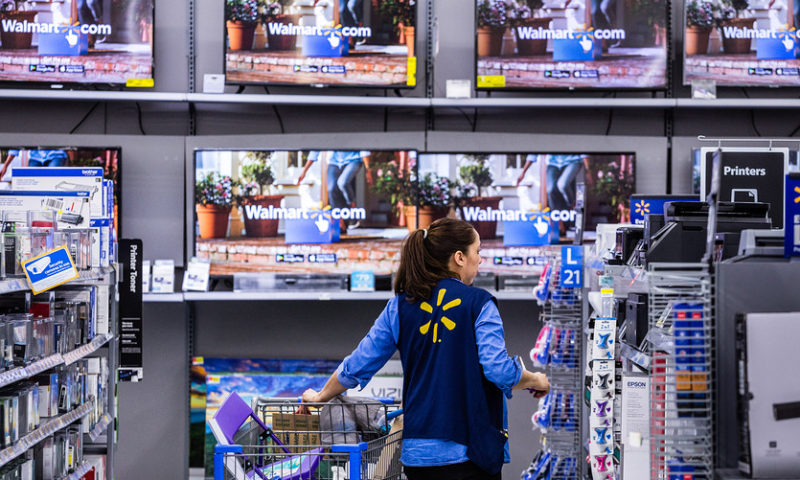 Walmart to use roving checkout scanners to streamline holiday shopping