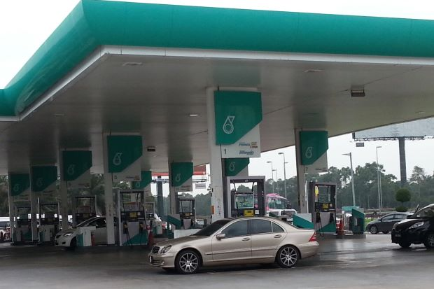Govt plans balanced solution on fuel subsidy