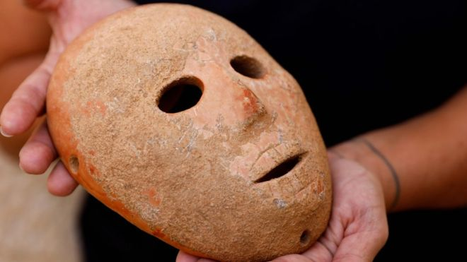 Israel unveils 9,000-year-old mask from the West Bank