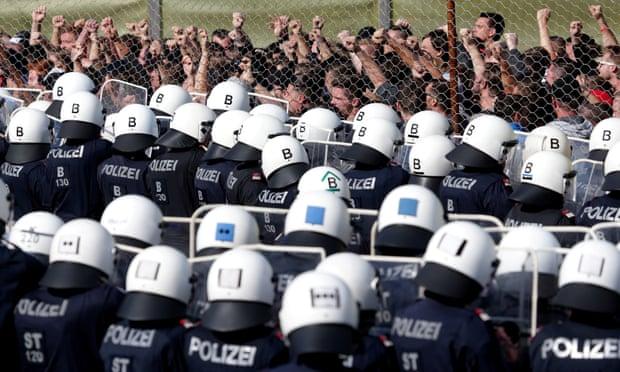 EU criticises Austria for not signing UN global migration pact