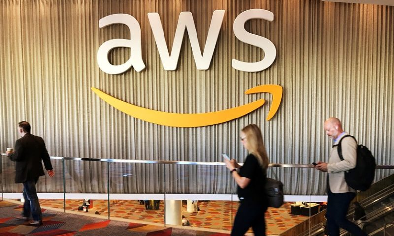 'Keep talkin' Larry': Amazon appears ever closer to dumping Oracle