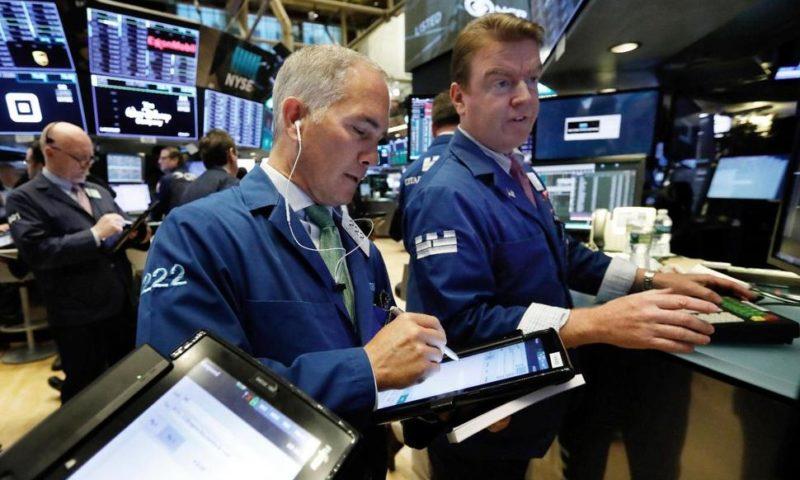 Tech Giants Slide, Pulling US Stock Market Sharply Lower