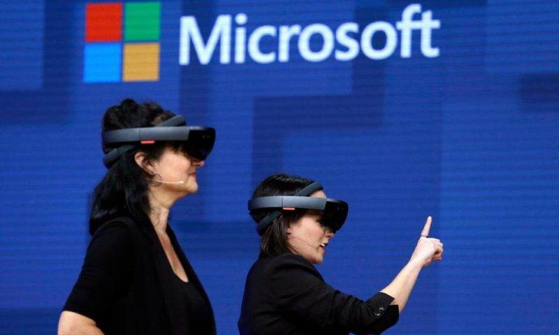 Army Wants Microsoft's HoloLens Headsets for Battlefield