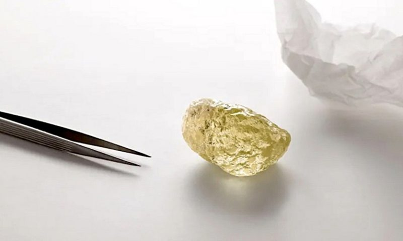 A 552-carat yellow diamond was just unearthed in Canada's arctic — a record North American discovery