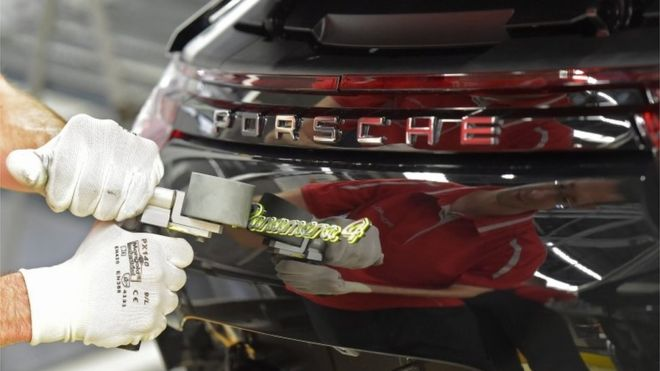 Porsche warns UK customers of Brexit price rise