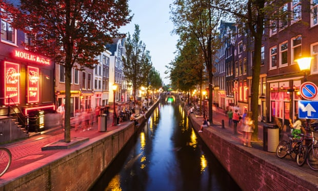 Amsterdam to ban 'disrespectful' tours of red-light district