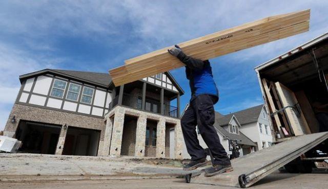 US housing starts slump