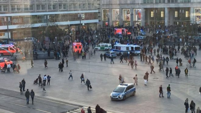 YouTube face-off: Berlin police break up mass brawl