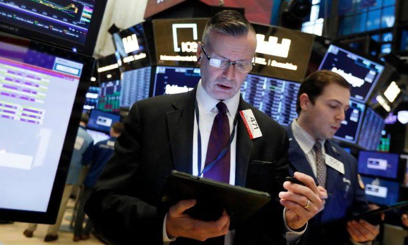 S&P 500 Ekes Out Gain, Enough to Extend Winning Streak