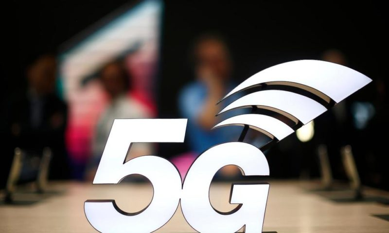 Trump Says America Must Win Race to Build 5G