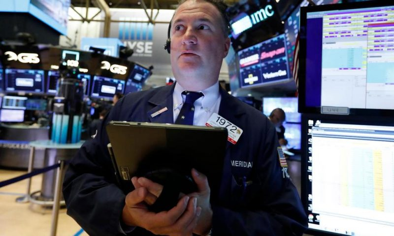 US Stocks Close Lower, on Track for 1st Monthly Loss of 2019