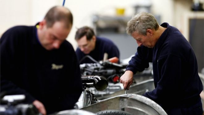 Brexit uncertainty 'hitting UK business investment'