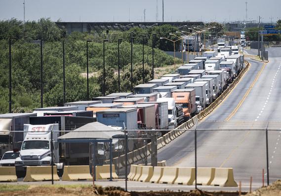 Mighty U.S. jobs market buoys economy amid China trade war, Mexico tariff threat