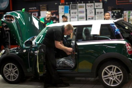 Car industry investment plummets in UK