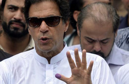 Pakistan PM meets Trump in bid to mend ties