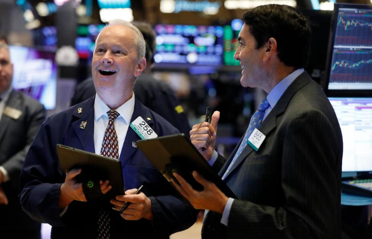 Technology Shines on an Otherwise Sluggish Day for US Stocks