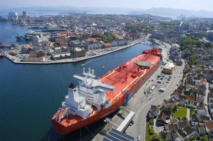 Teekay Tankers Ltd. (TNK) Soars 7.2%