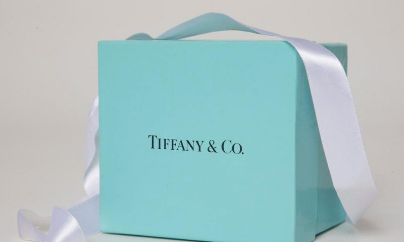 France's LVMH Seeks to Buy Jeweler Tiffany for $14.5 Bln