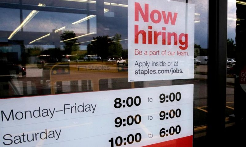 US Job Openings Slip 1.7% in August as Labor Market Slows