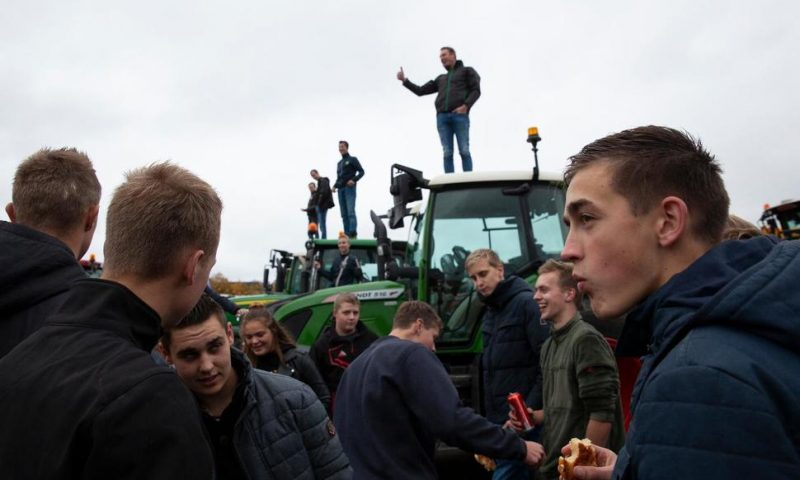 Dutch Farmers Protest Efforts to Cut Emissions, Reduce Herds