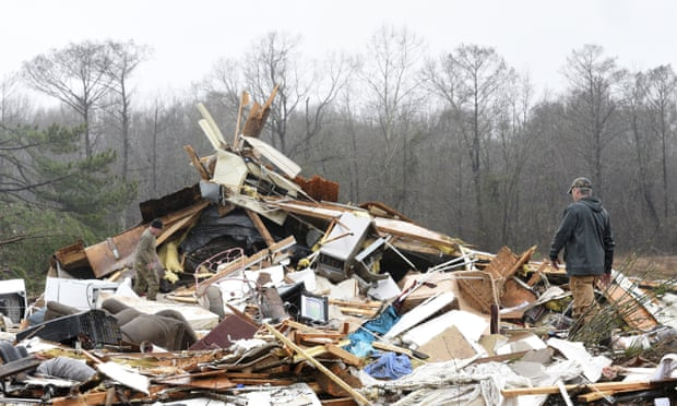 Severe storm sweeps south-east US, killing at least 11