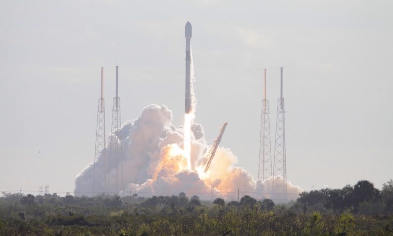SpaceX boosts 60 more Starlink satellites into orbit after weather delays