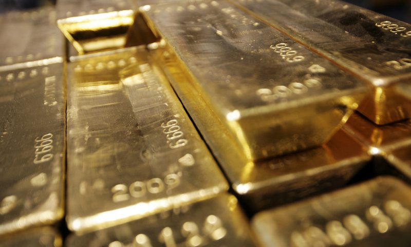 Gold prices finish lower for a second session