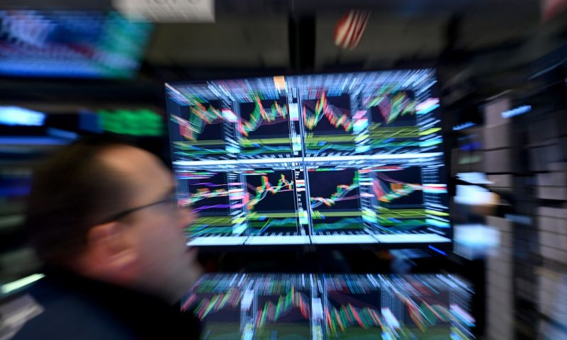 Dow snaps four-day winning streak as stocks finish day with modest losses