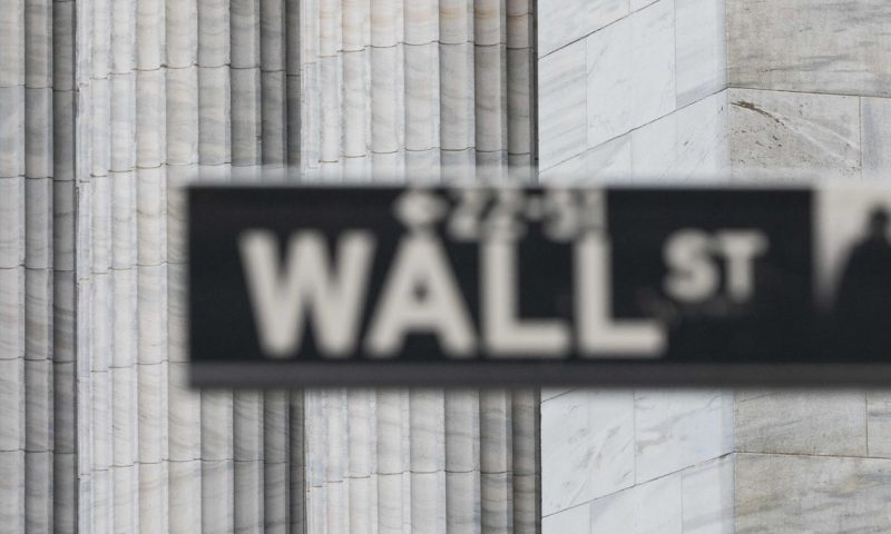U.S. stock futures under pressure as bond yields resume rise