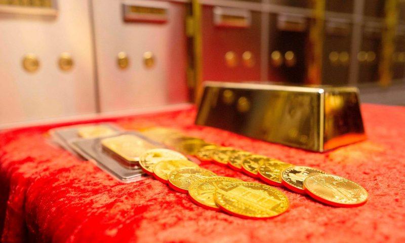 Gold prices head slightly higher Thursday