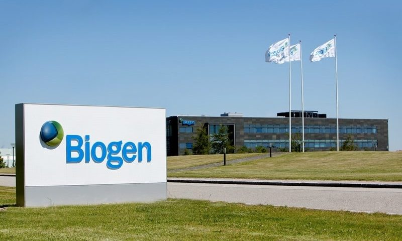 Biogen buys midphase drug to challenge Roche for stroke market