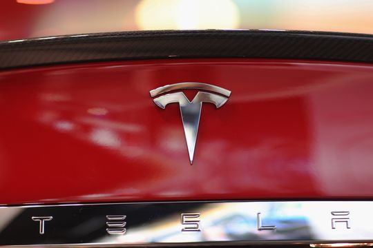 Tesla earnings preview: Semi truck, Cybertruck pickup and chip shortage in focus