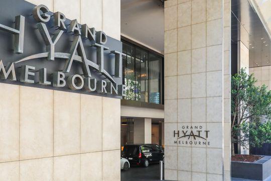Hyatt to buy resort company Apple Leisure Group for $2.7 billion